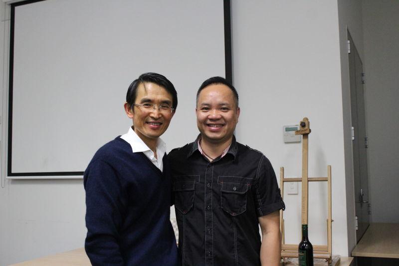 副會長徐益群與吳錦榮先生