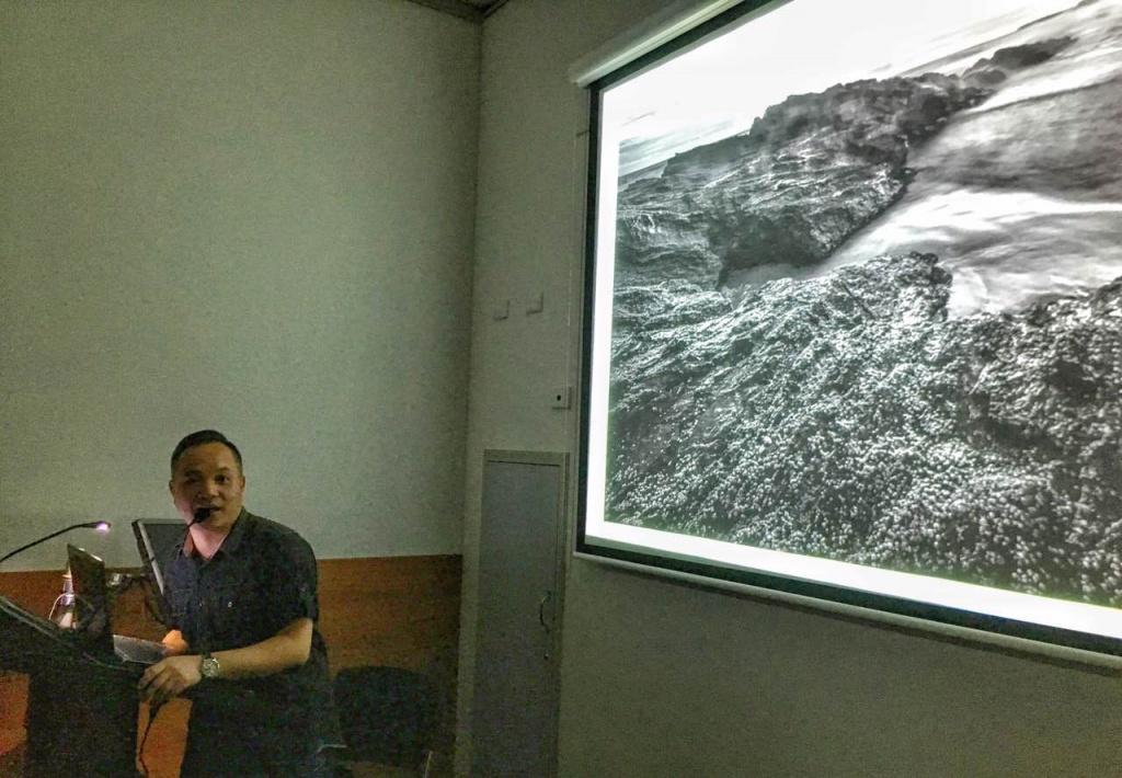 吳錦榮在講課